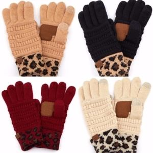 C.C Black Solid Ribbed Glove With Leopard Print .